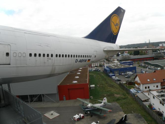 Sur l'aile du 747