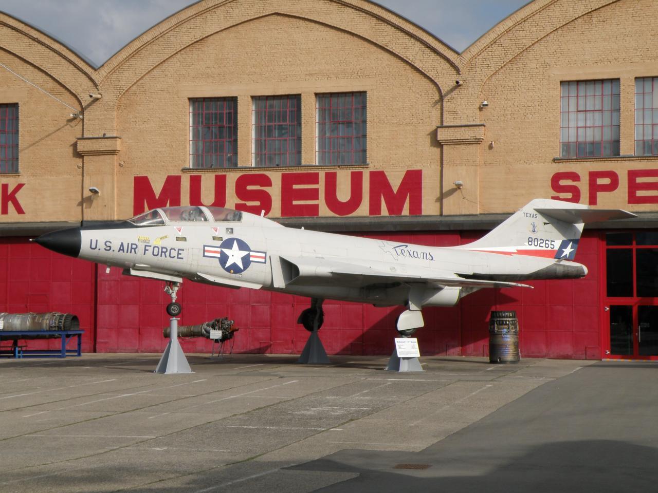 Mc Donnell Douglas F-101